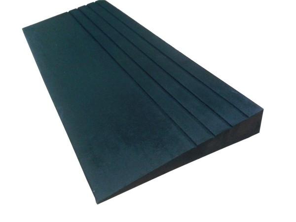 Gummirampe keilförmig, 57 x 343 x 914 mm, schwarz